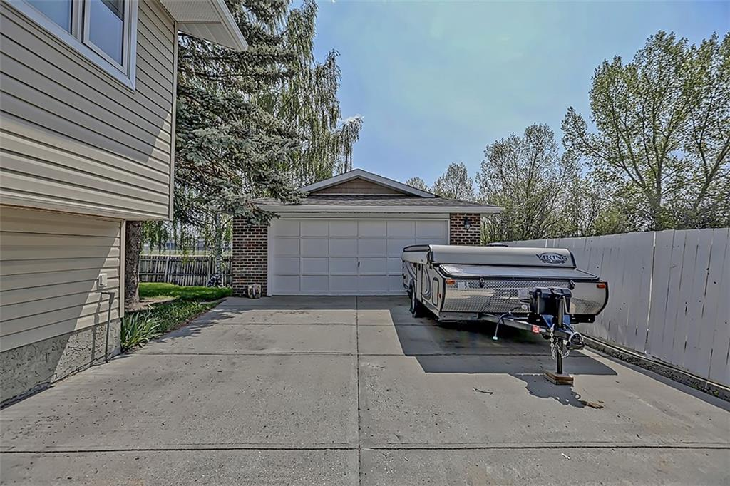 Picture of 30 ROBINSON DR