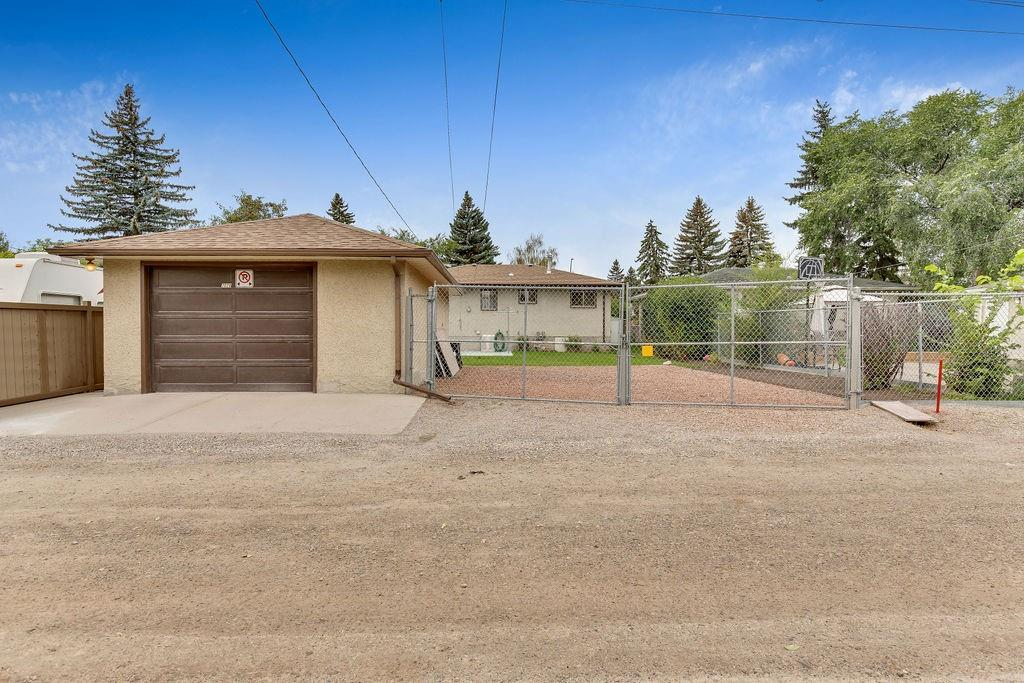 Picture of 2028 45 ST SE
