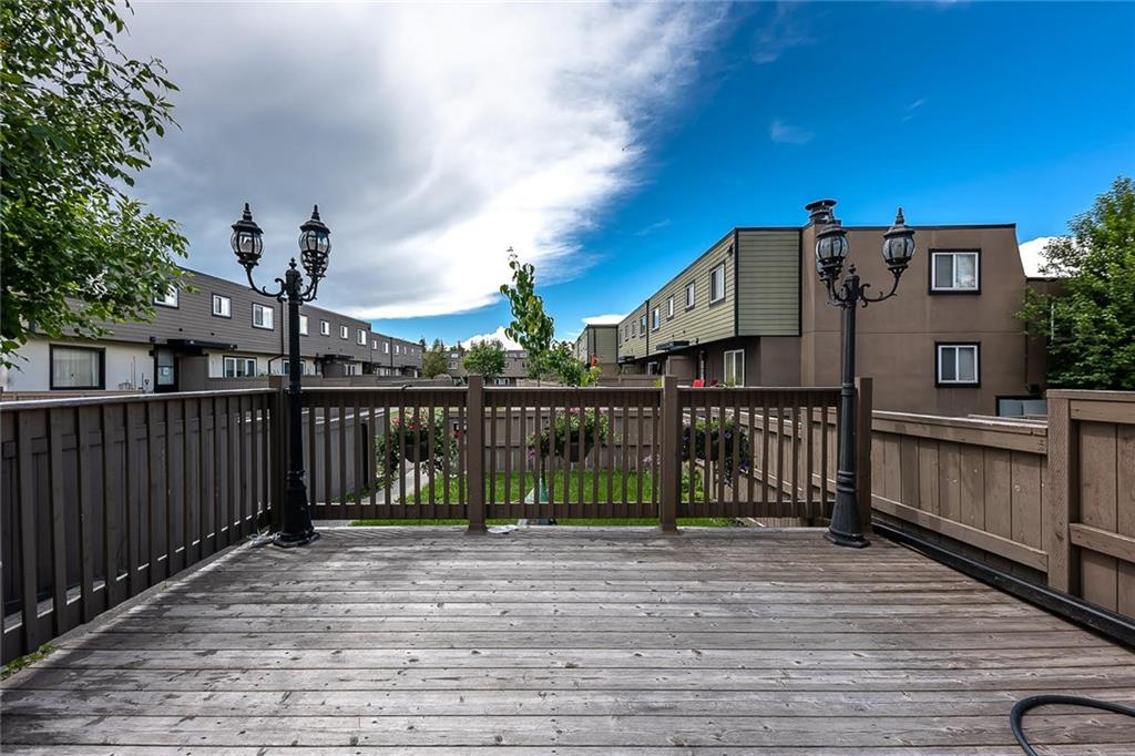 Picture of #33 3809 45 ST SW