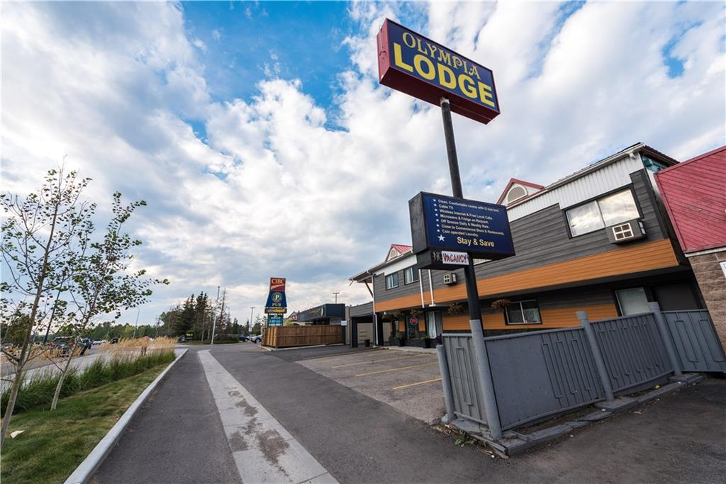 5020 16 AV NW , Calgary, ALBERTA,T3B 0N3 ;  Listing Number: MLS C4206115