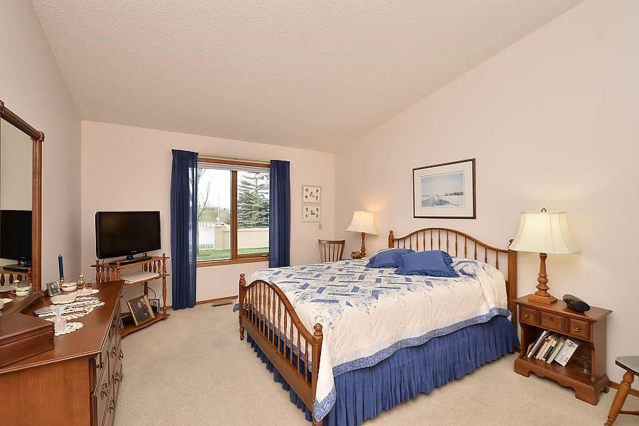 Picture of 226 HAMPTONS PA NW
