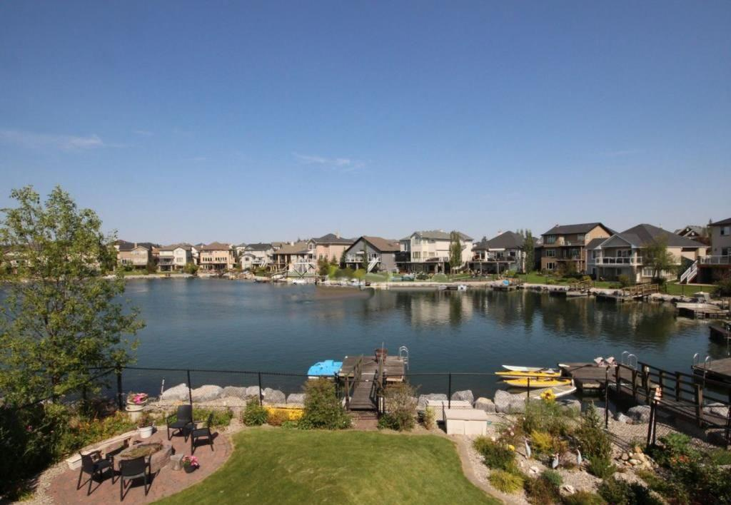 Picture of 11 CRYSTAL SHORES PT