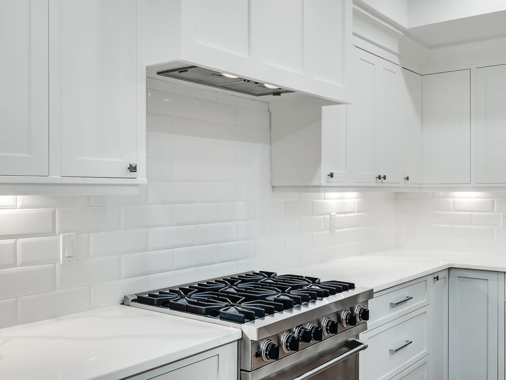 Picture of 416 16A ST NW