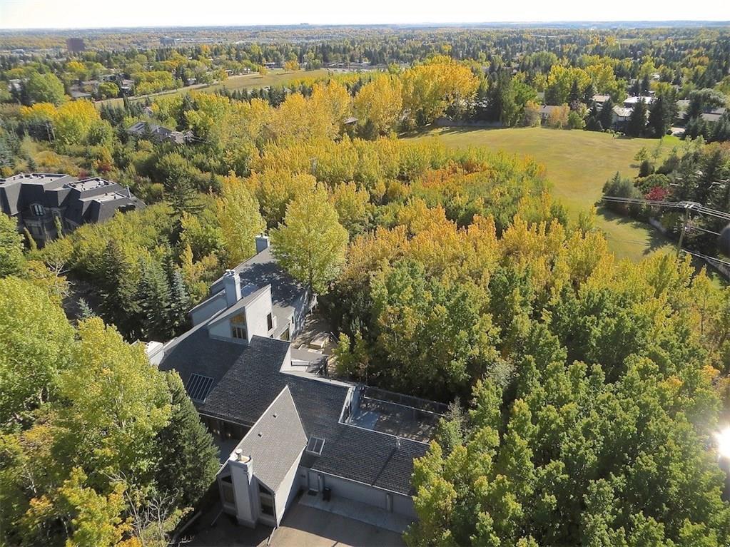 15 PUMP HILL CL SW , Calgary, ALBERTA,T2V 5E5 ;  Listing Number: MLS C4286225