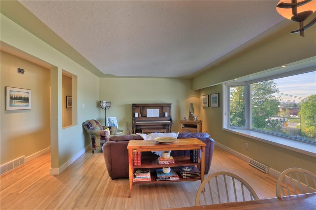 Picture of 35 COLLINGWOOD PL NW
