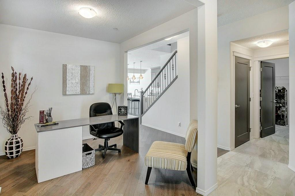 Picture of 51 HOWSE HL NE