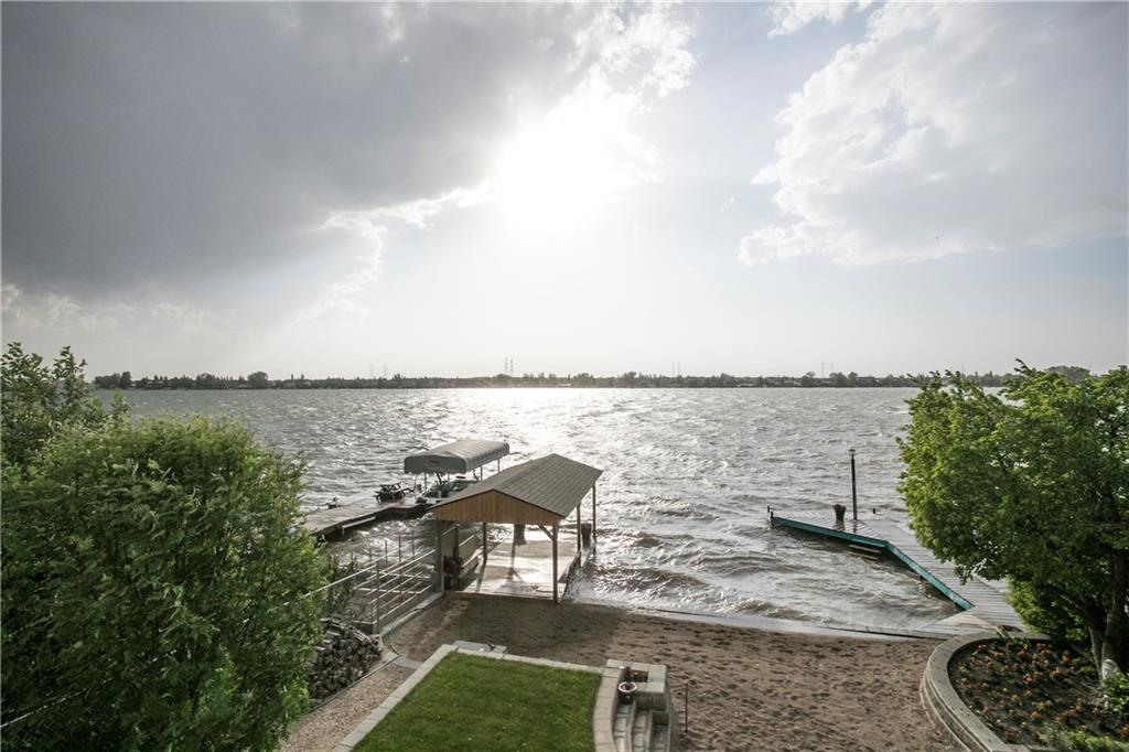 Picture of 933 EAST CHESTERMERE DR