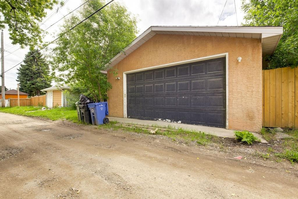 Picture of 2012 37 ST SE