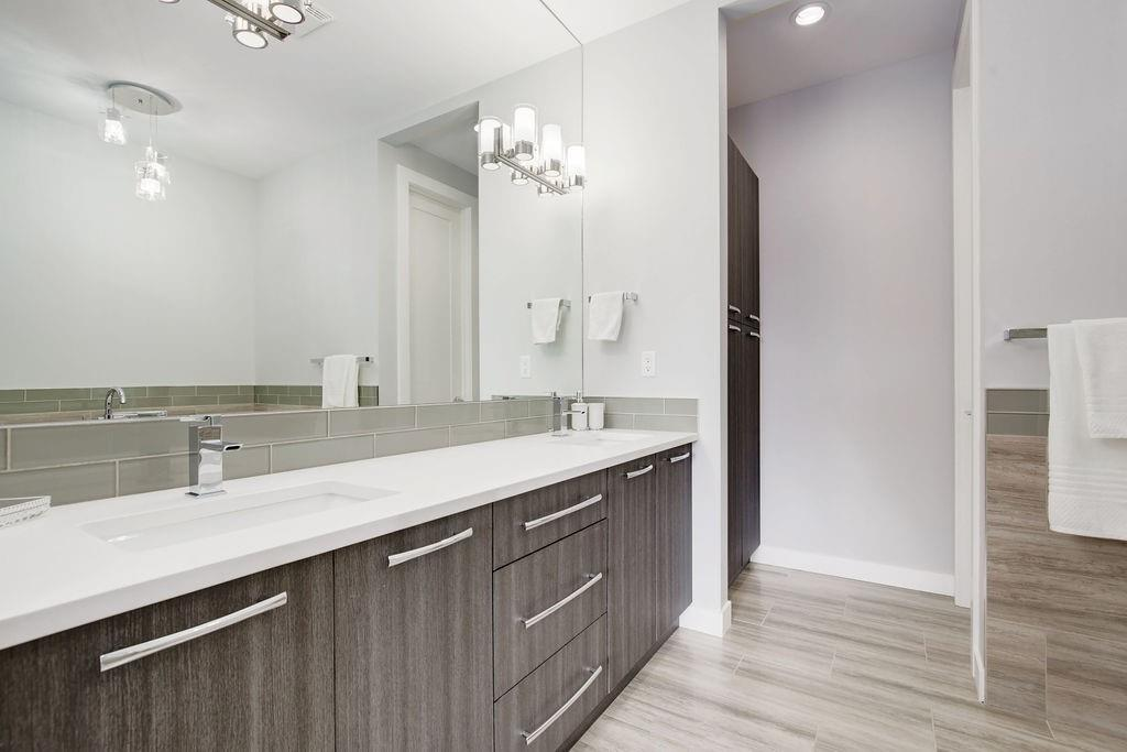 Picture of 2720 18 ST NW