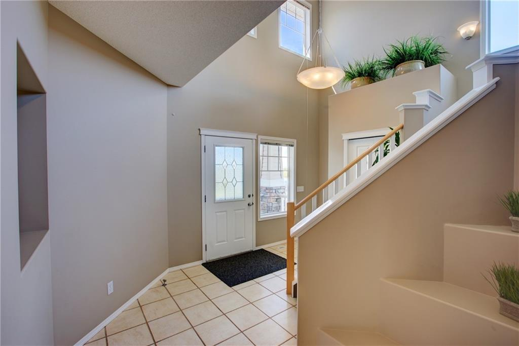 Picture of 239 CRESTHAVEN PL SW
