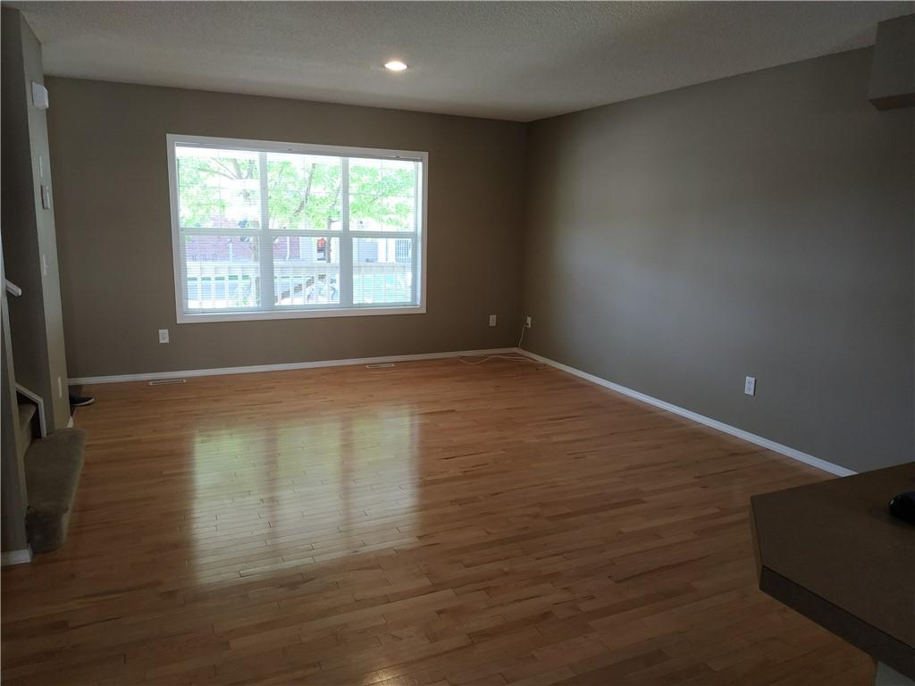 Picture of 40 COUNTRY VILLAGE LN NE