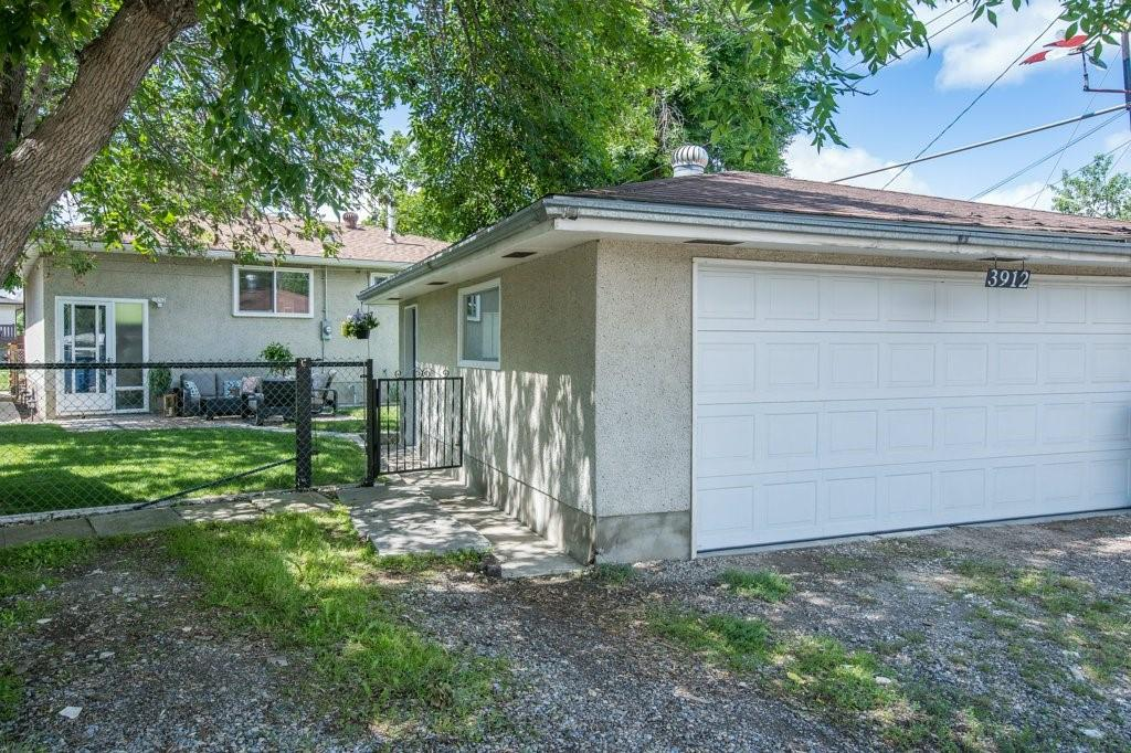 Picture of 3912 45 ST SW