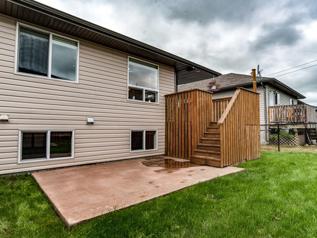201 Hillvale Cr, Strathmore, AB - CAN (photo 2)