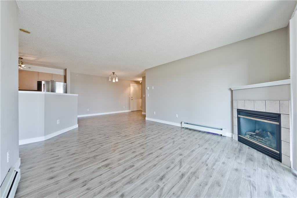 Picture of #435 1717 60 ST SE