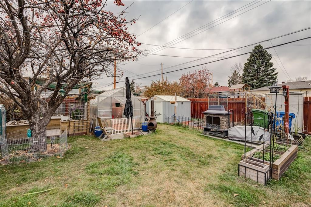 Picture of 2403 37 ST SW