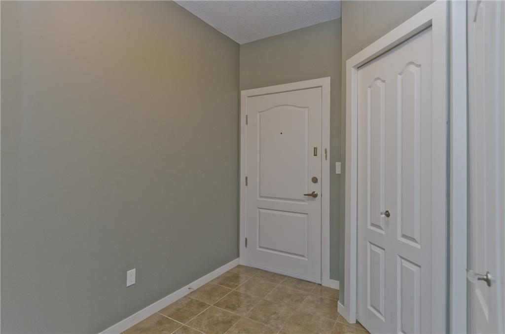 Picture of #1117 604 EAST LAKE BV NE
