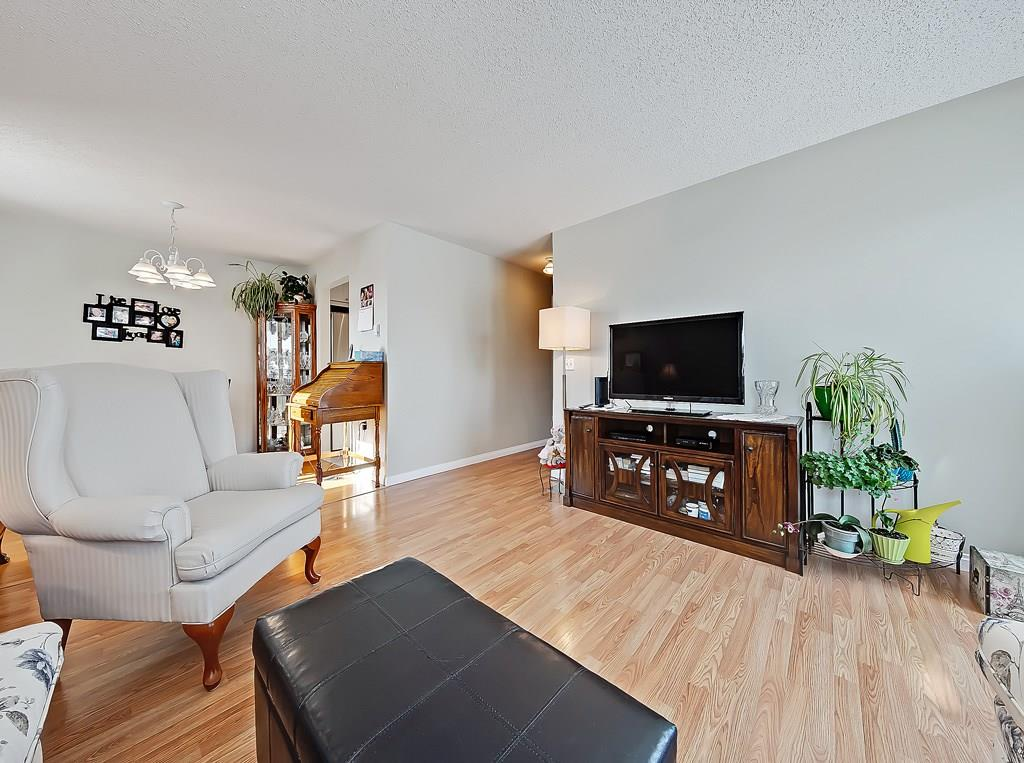 Picture of #214 309 WOODSIDE DR NW