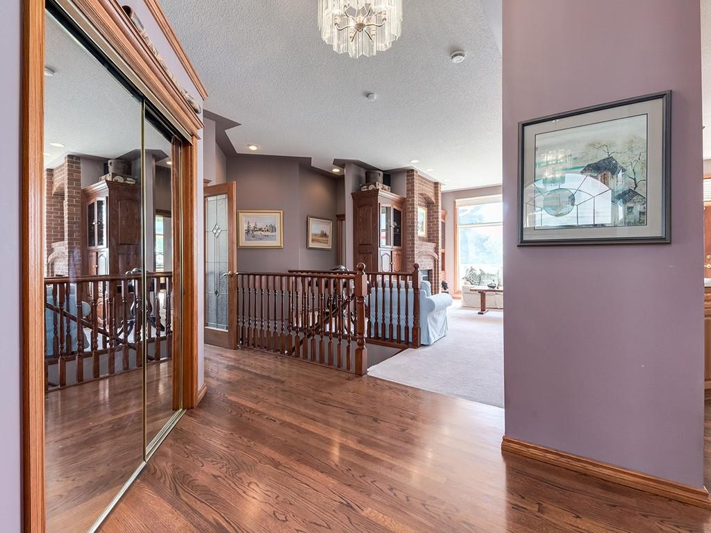Picture of 586 WEST CHESTERMERE DR