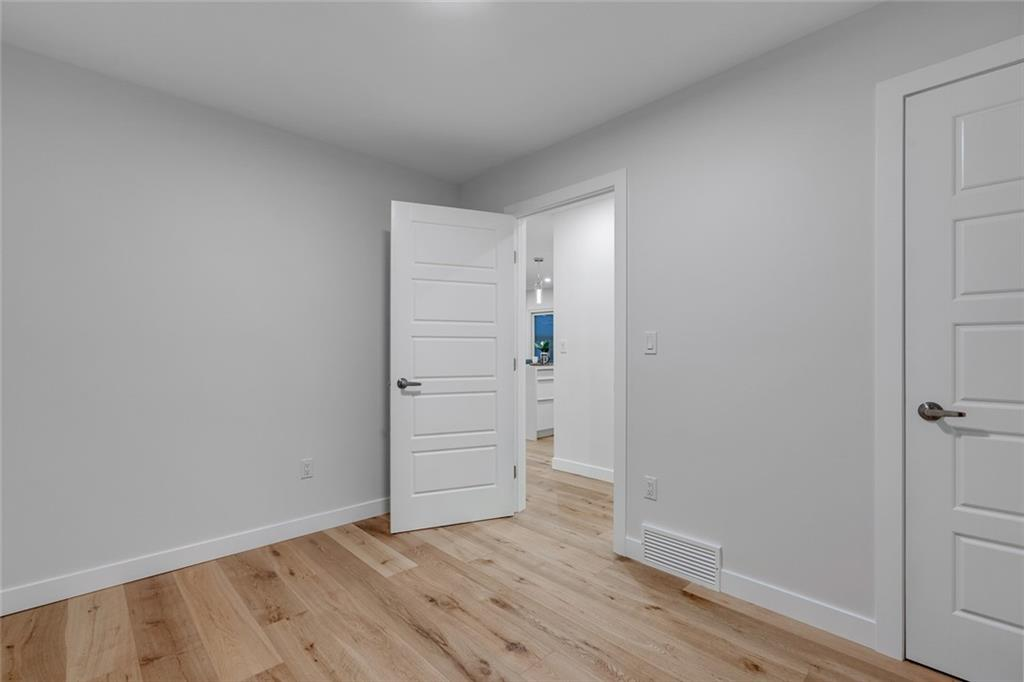 Picture of 36 ARMSTRONG CR SE