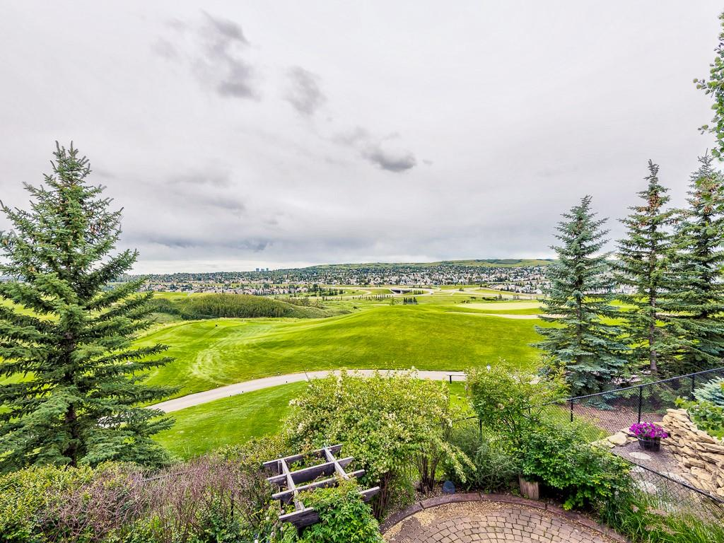 Picture of 19 PANORAMA HILLS PT NW