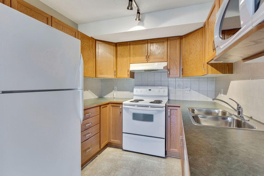 Picture of #401 300 EDWARDS WY NW