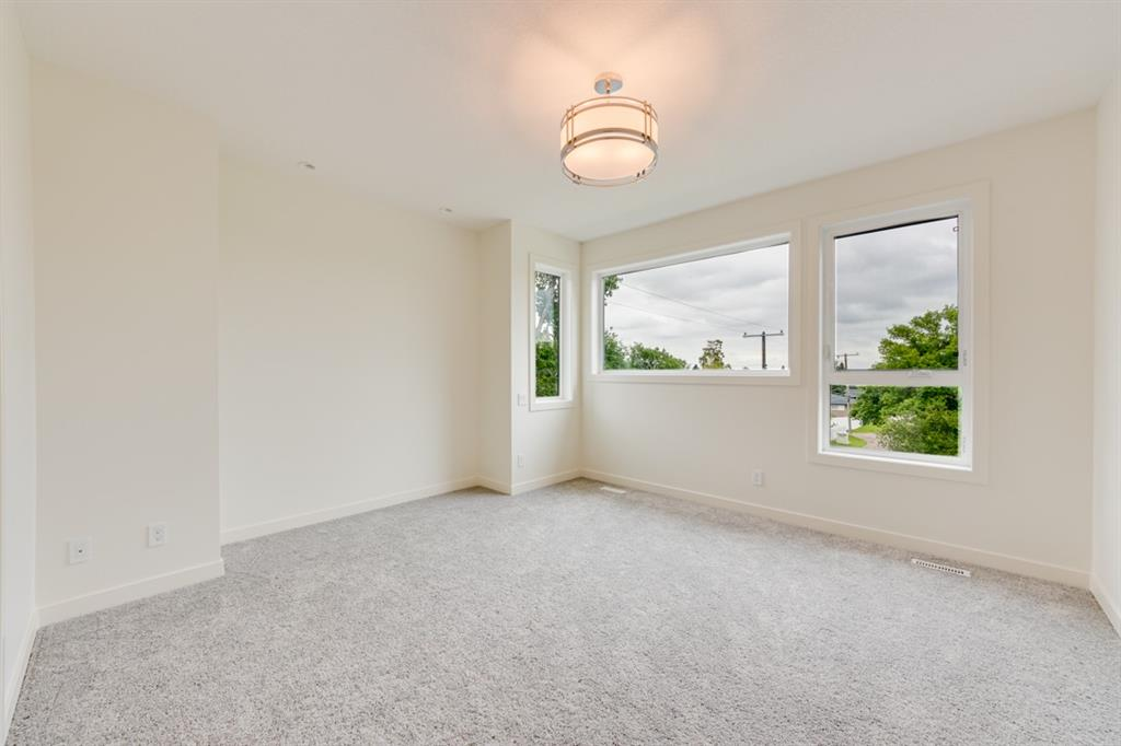 Picture of 53 HOUNSLOW DR NW