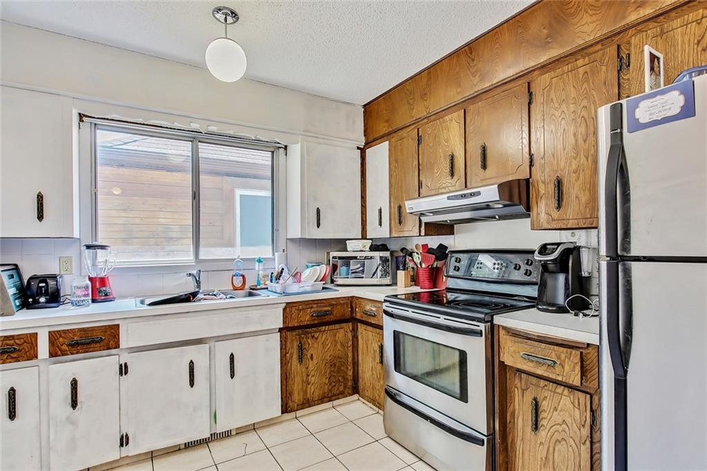 Picture of 2525 & 2527 16A ST NW
