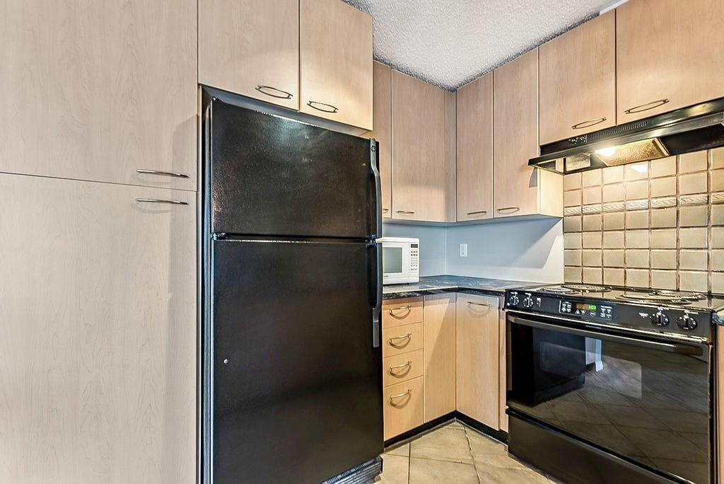 Picture of #132 22 RICHARD PL SW
