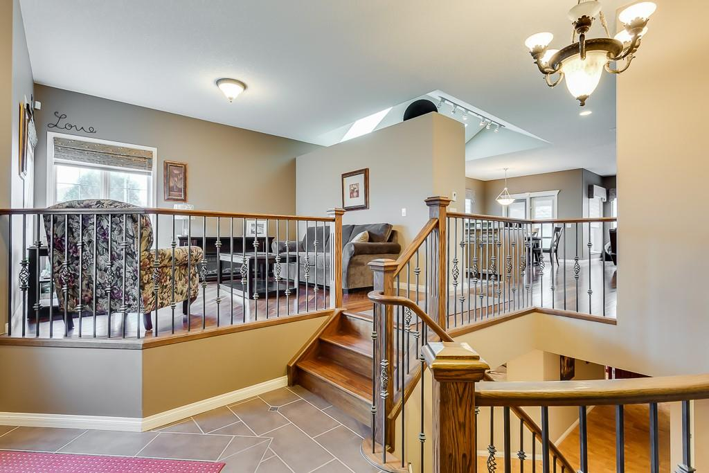Picture of 213 THORNLEIGH CL SE