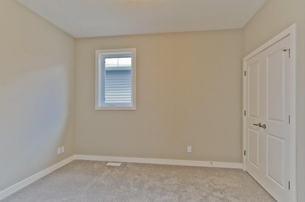 Picture of 161 WILDROSE CR