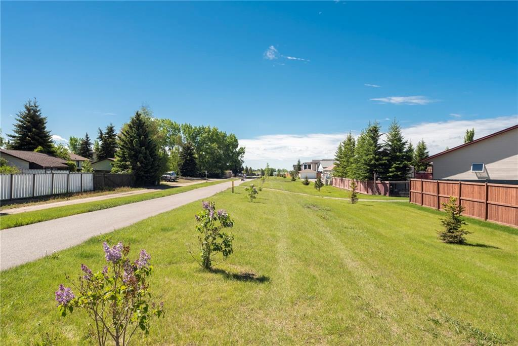 71 Collins CR , Crossfield, ALBERTA,T0M 0S0 ;  Listing Number: MLS C4253384