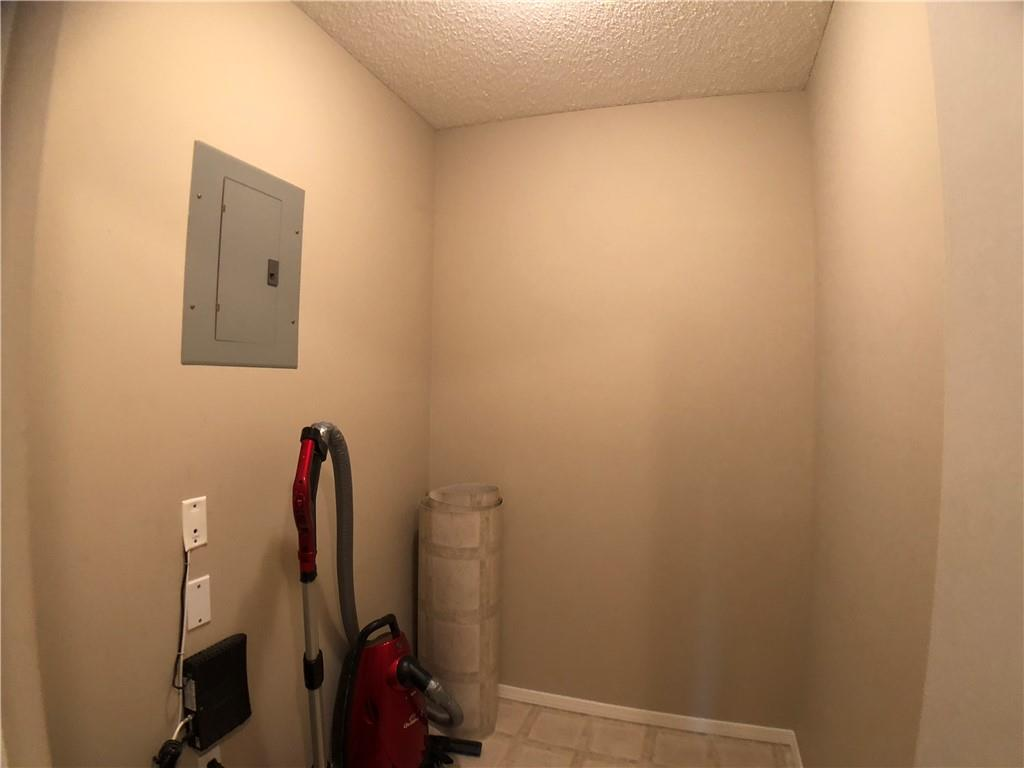Picture of #4215 604 8 ST SW