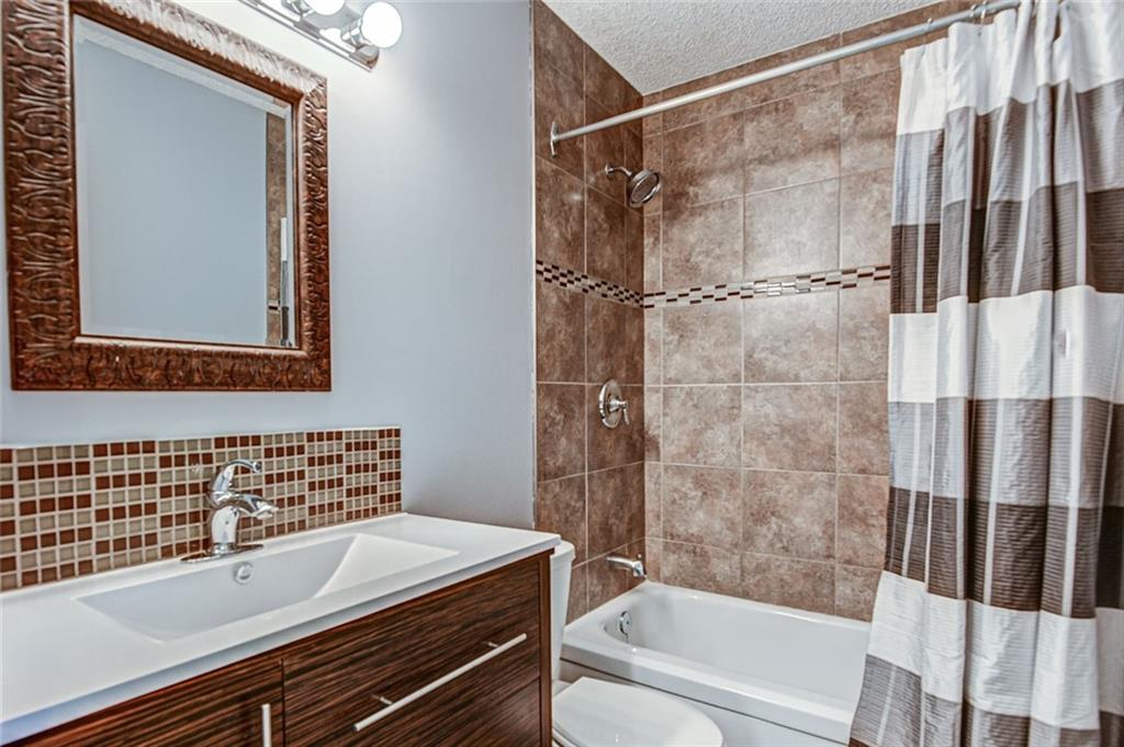 Picture of #42 6503 RANCHVIEW DR NW